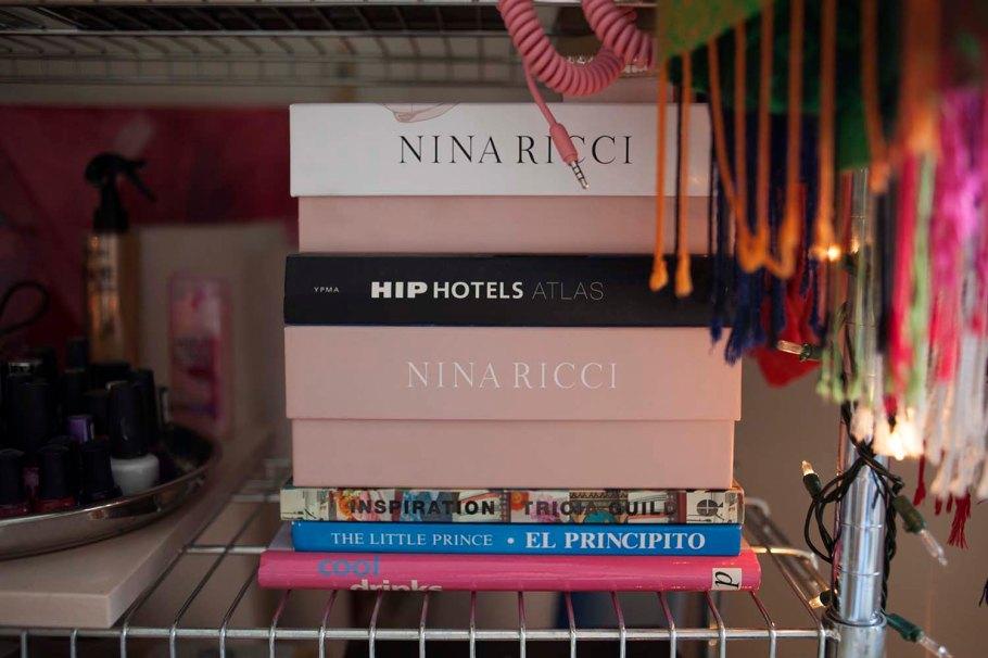 3.perfumeandbooks